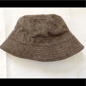 Wool blend bucket hat